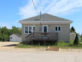 Maison à vendre à Longue-Rive, Côte-Nord, 5, Rue  Émond, 20332066 - Centris.ca