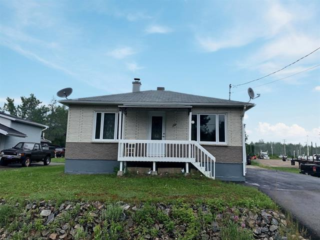 House for sale in Girardville, Saguenay/Lac-Saint-Jean, 1331, Rue  Principale, 12403502 - Centris.ca