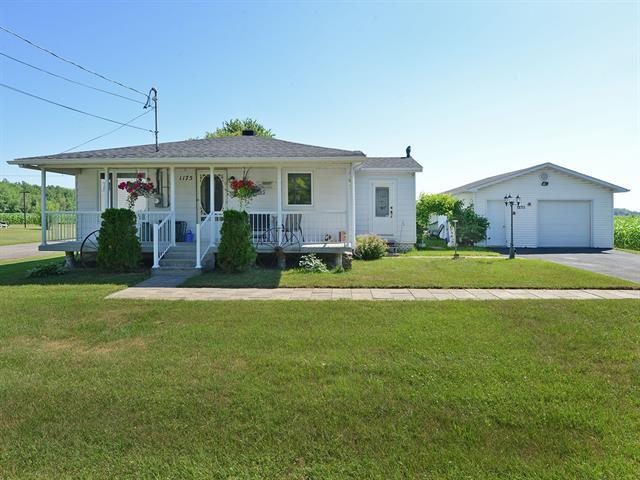Maison à vendre à Rivière-Beaudette, Montérégie, 1175, Rue  Principale, 27535474 - Centris.ca