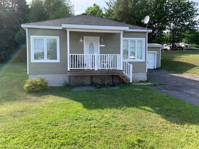 House for sale in Beaulac-Garthby, Chaudière-Appalaches, 122, Route  112, 21300312 - Centris.ca
