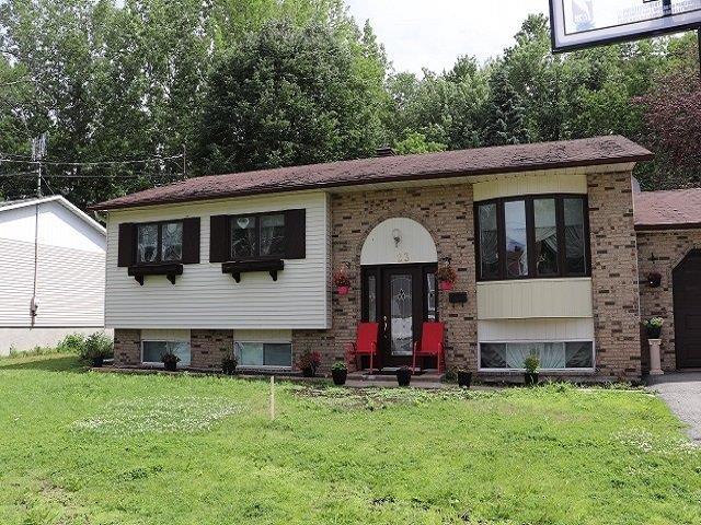 House for sale in Montréal (L'Île-Bizard/Sainte-Geneviève), Montréal (Island), 23, Rue  Jean-Yves, 16254581 - Centris.ca