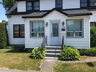 Duplex for sale in Magog, Estrie, 109 - 111, Rue  Bellevue, 16784077 - Centris.ca