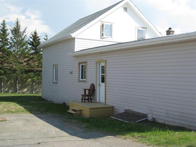 Maison à vendre à Sainte-Paule, Bas-Saint-Laurent, 198, Rue de l'Église, 20976383 - Centris.ca