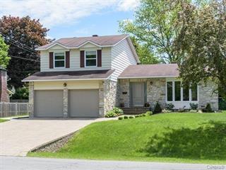 House for rent in Beaconsfield, Montréal (Island), 322, Avenue  Royal, 14202855 - Centris.ca