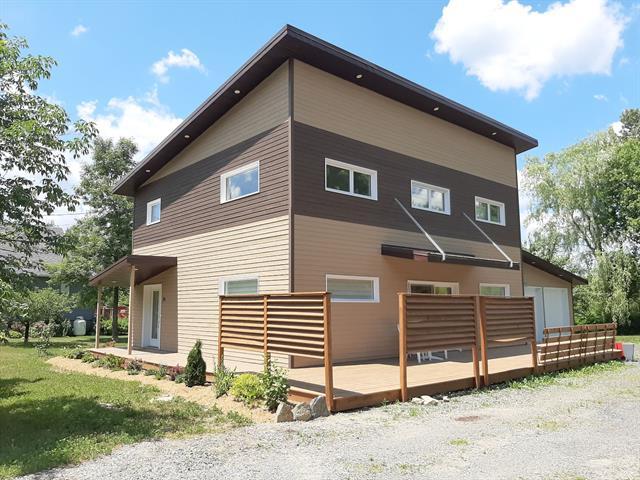 Maison à louer à Sutton, Montérégie, 24, Rue  Academy, 16997302 - Centris.ca