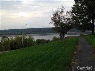Maison à louer à Saguenay (Chicoutimi), Saguenay/Lac-Saint-Jean, 111, Rue  Panoramique, 26743253 - Centris.ca