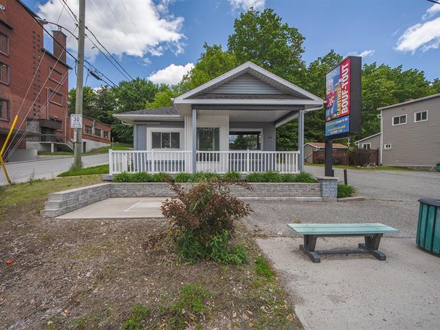 Bâtisse commerciale à vendre à Sherbrooke (Fleurimont), Estrie, 246, Rue  Saint-François Nord, 10670834 - Centris.ca