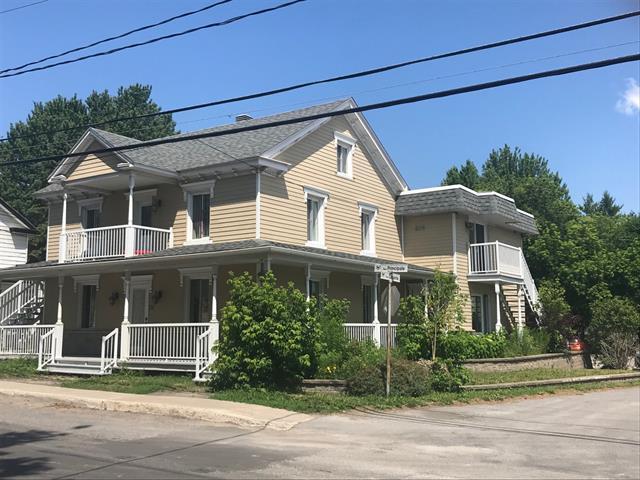 Quintuplex à vendre à Saint-Félix-de-Valois, Lanaudière, 4420 - 4424, Rue  Principale, 23567811 - Centris.ca