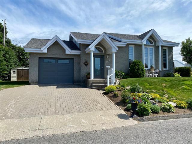 House for sale in Mont-Joli, Bas-Saint-Laurent, 141, Rue  Albert-Landreville, 26673388 - Centris.ca