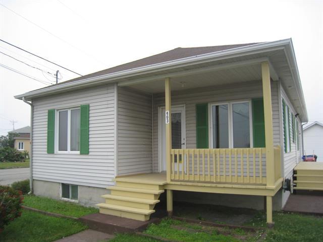 House for sale in Matane, Bas-Saint-Laurent, 403, Avenue  D'Amours, 10264354 - Centris.ca