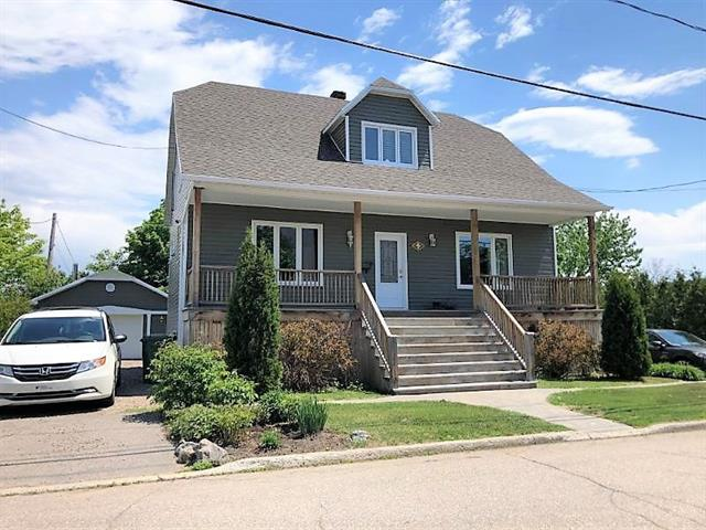 House for sale in Clermont (Capitale-Nationale), Capitale-Nationale, 9, Rue  Maisonneuve, 12708695 - Centris.ca