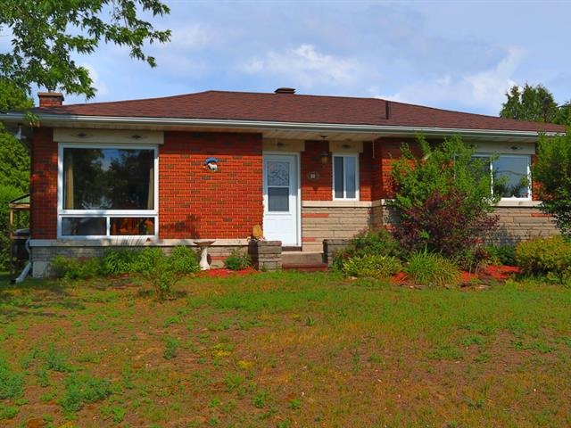 House for sale in Lachute, Laurentides, 82, Rue  Ray, 9693813 - Centris.ca