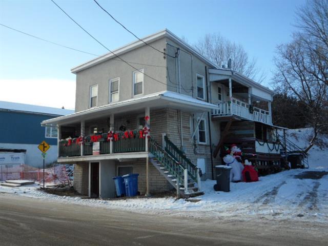 Duplex à vendre à Saint-Barthélemy, Lanaudière, 568 - 572, Rang  York, 12400933 - Centris.ca