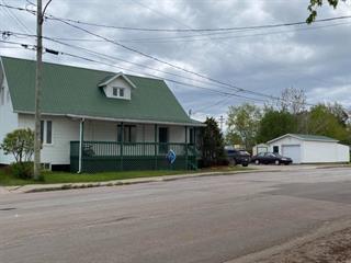 Maison à vendre à Roberval, Saguenay/Lac-Saint-Jean, 762, Rue  Levesque, 27509896 - Centris.ca