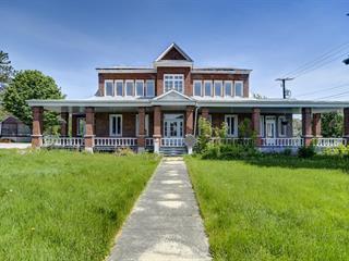 Immeuble à revenus à vendre à Saguenay (Chicoutimi), Saguenay/Lac-Saint-Jean, 2594, Rue  Roussel, 25226644 - Centris.ca