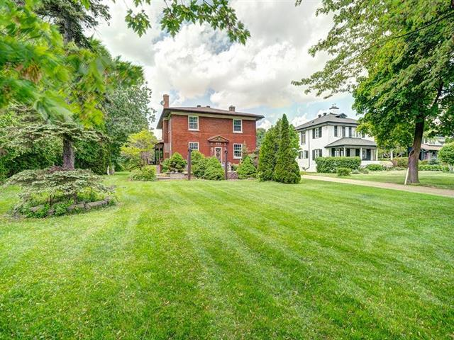 Maison à vendre à Pointe-Claire, Montréal (Île), 220, Chemin du Bord-du-Lac-Lakeshore, 17811718 - Centris.ca