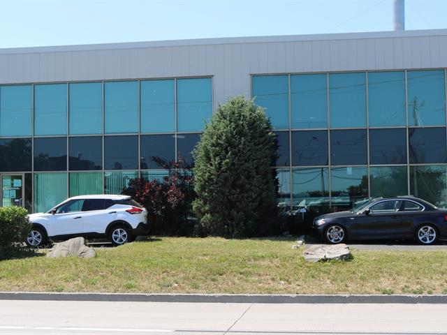 Local industriel à louer à Boucherville, Montérégie, 55, Chemin  Du Tremblay, 24071198 - Centris.ca
