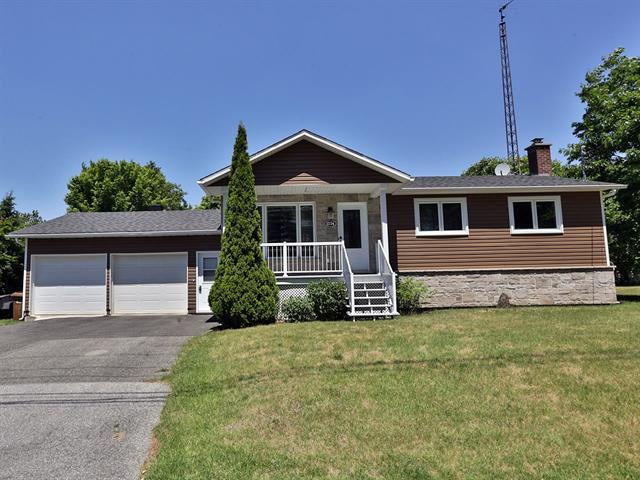 House for sale in Acton Vale, Montérégie, 1336, Rue  Lemay, 18615702 - Centris.ca