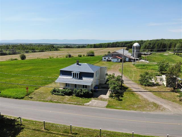 Hobby farm for sale in Saint-Aubert, Chaudière-Appalaches, 151Z, Rue  Principale Ouest, 28748308 - Centris.ca