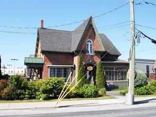 Bâtisse commerciale à louer à Farnham, Montérégie, 188, Rue  Principale Est, 12037377 - Centris.ca