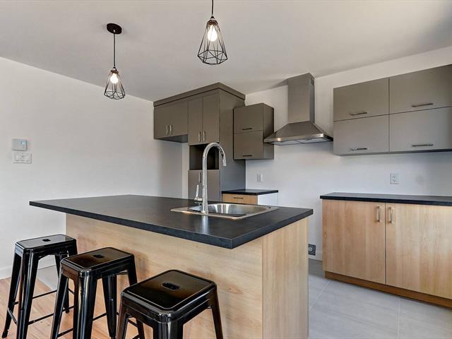 Maison à vendre à Saint-Apollinaire, Chaudière-Appalaches, 93, Rue  Laflamme, 24054462 - Centris.ca