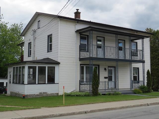 Triplex à vendre à Magog, Estrie, 558 - 562, Rue  Sherbrooke, 10099022 - Centris.ca