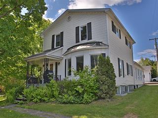 Triplex à vendre à Coaticook, Estrie, 258, Rue  Main Ouest, 16730918 - Centris.ca