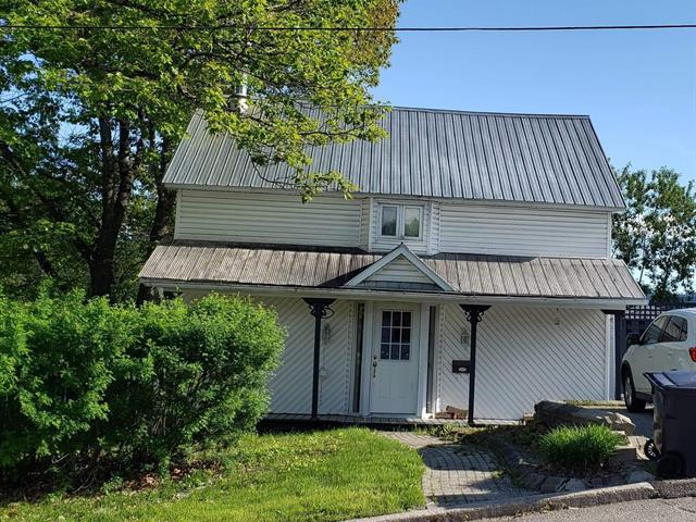 Maison à vendre à Maniwaki, Outaouais, 74, Rue  Notre-Dame, 13111351 - Centris.ca