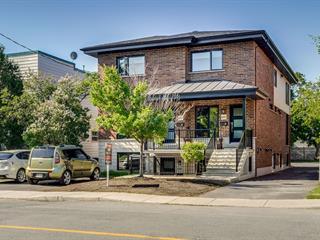 Triplex for sale in Longueuil (Le Vieux-Longueuil), Montérégie, 648Z - 652Z, Rue  Préfontaine, 27371495 - Centris.ca