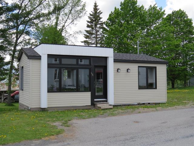 House for sale in Saint-Théophile, Chaudière-Appalaches, 476, Rue  Saint-François, 13879814 - Centris.ca