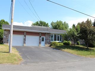 Maison à vendre à Mont-Joli, Bas-Saint-Laurent, 211, Avenue  Joliette, 26924674 - Centris.ca
