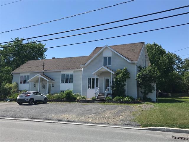 Triplex à vendre à Sainte-Justine, Chaudière-Appalaches, 114, Rue  Principale, 17742100 - Centris.ca