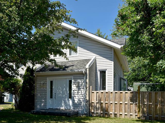 Maison à vendre à Berthierville, Lanaudière, 720, Rue  Lambert, 16477640 - Centris.ca