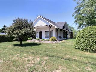 House for sale in Témiscouata-sur-le-Lac, Bas-Saint-Laurent, 938, Rue  Commerciale Nord, 14915845 - Centris.ca