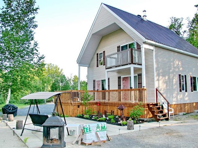 Chalet à vendre à Sainte-Monique (Saguenay/Lac-Saint-Jean), Saguenay/Lac-Saint-Jean, 500, Lac-à-la-Loutre, 11622645 - Centris.ca
