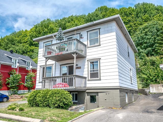 Duplex for sale in Sainte-Anne-de-Beaupré, Capitale-Nationale, 10441 - 10443, Avenue  Royale, 28350843 - Centris.ca