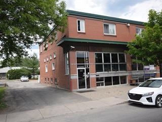 Local commercial à louer à Lachute, Laurentides, 383, Rue  Principale, 20975874 - Centris.ca