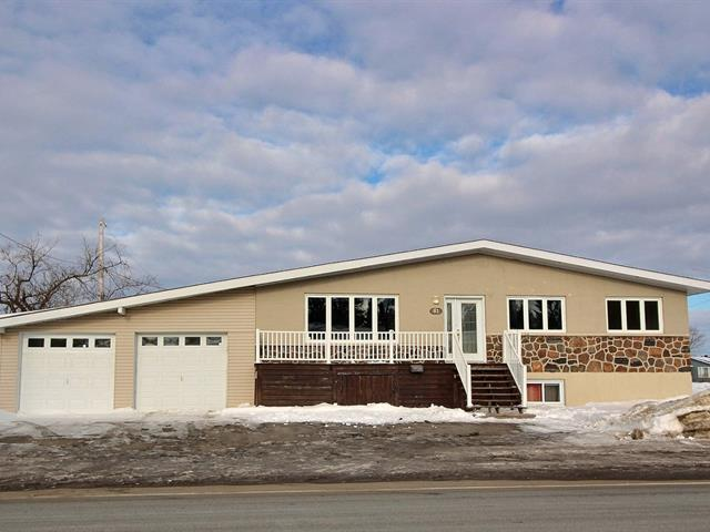 Maison à vendre à Sept-Îles, Côte-Nord, 81, Rue  Holliday, 28888049 - Centris.ca