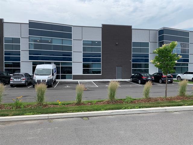 Local industriel à louer à Laval (Sainte-Rose), Laval, 4260A, Rue  Garand, 25640675 - Centris.ca