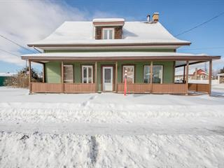 Maison à vendre à Saint-Honoré, Saguenay/Lac-Saint-Jean, 3431, boulevard  Martel, 27696558 - Centris.ca