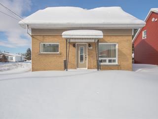 Maison à vendre à Saint-Honoré, Saguenay/Lac-Saint-Jean, 3451, boulevard  Martel, 16826132 - Centris.ca
