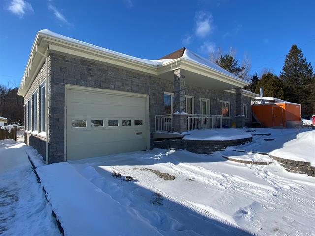 House for sale in Saguenay (Chicoutimi), Saguenay/Lac-Saint-Jean, 143, Rue  Saint-Laurent, 22312627 - Centris.ca