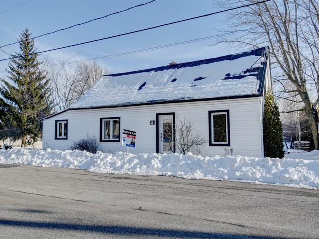 House for sale in Saint-Hugues, Montérégie, 211, Rue  Lafontaine, 10545023 - Centris.ca