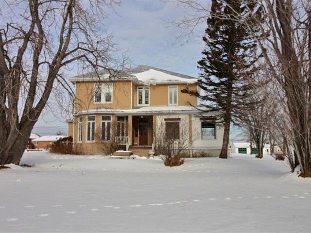 Maison à vendre à Saint-Siméon (Gaspésie/Îles-de-la-Madeleine), Gaspésie/Îles-de-la-Madeleine, 115, boulevard  Perron Ouest, 20761112 - Centris.ca