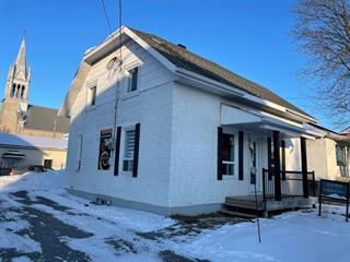 Maison à vendre à Saint-Honoré, Saguenay/Lac-Saint-Jean, 650, Rue  Desrosiers, 17550285 - Centris.ca