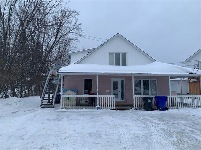 Maison à vendre à Maniwaki, Outaouais, 440 - 442, Rue de la Montagne, 22956860 - Centris.ca