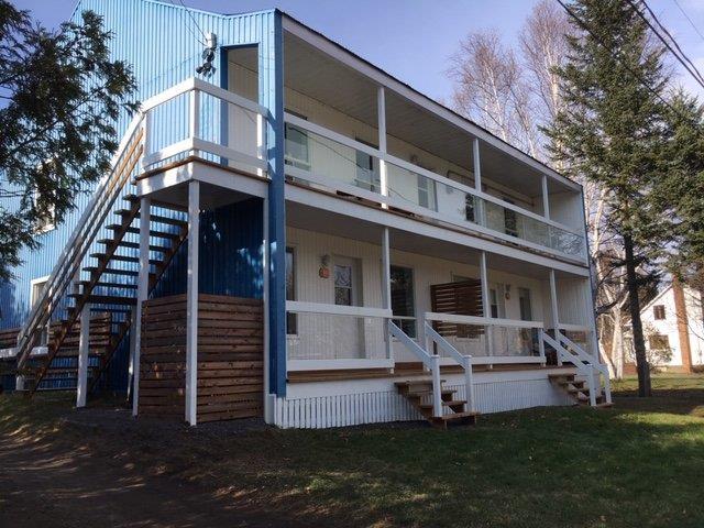 Quadruplex à vendre à Clermont (Capitale-Nationale), Capitale-Nationale, 110 - 114, Rue  Maisonneuve, 26640245 - Centris.ca