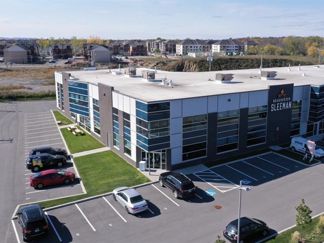 Bâtisse commerciale à vendre à Laval (Sainte-Rose), Laval, 4260, Rue  Garand, 25335901 - Centris.ca