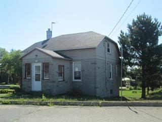 Maison à vendre à Sainte-Thècle, Mauricie, 130, Rue  Saint-Jacques, 28416355 - Centris.ca