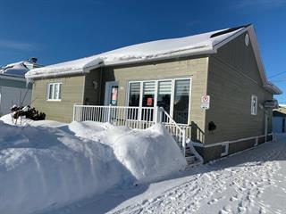 Maison à vendre à Amos, Abitibi-Témiscamingue, 361, 3e Avenue Est, 26816172 - Centris.ca